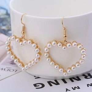 Jewelry - Heart Earrings ✨